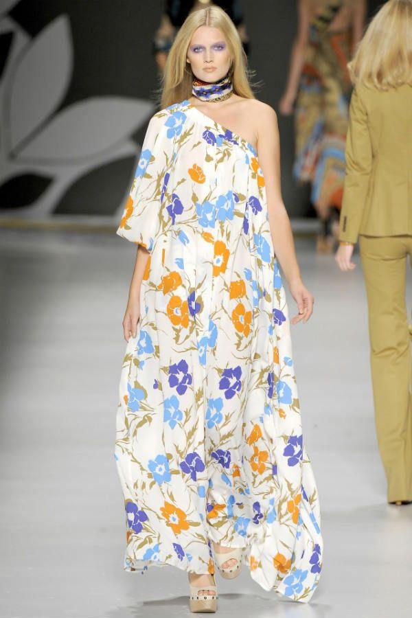 1a4f8427e978d1 In diesem Jahr kehrt die Mode zur Weiblichkeit zurück, unterstrichen durch  den Stil übergroßer und leichter, fließender Stoffe.
