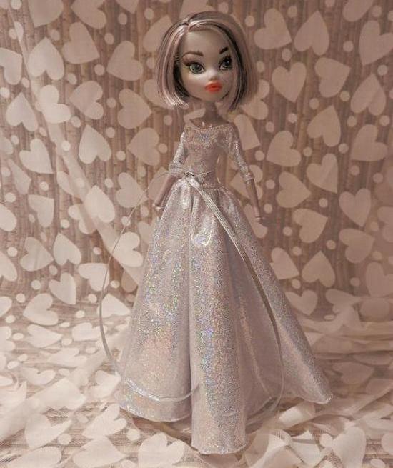 b6113517e34 Миниатюрные куколки Монстер Хай - очень удобные модели. Дело в том